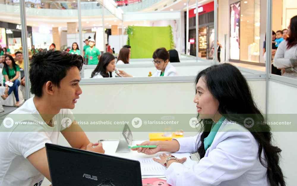 Tahap keempat setelah skintest dan pemeriksaan kesehatan kulit adalah interview, peserta akan mengha